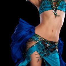 Движения в ориенталските танци - танцьорка