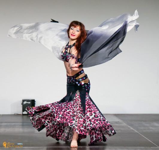 Ориенталски танци с Виолета Вълчева